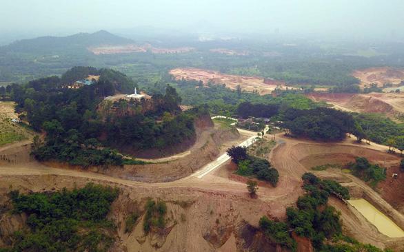 Núi Con Voi bị con người bạo hành kinh khủng  - Ảnh 1.