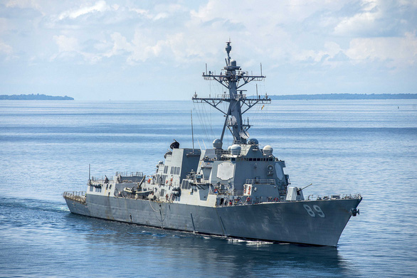 Mỹ điều tàu USS Mustin ra Biển Đông, Trung Quốc tuyên bố đã cảnh báo, xua đuổi - Ảnh 2.