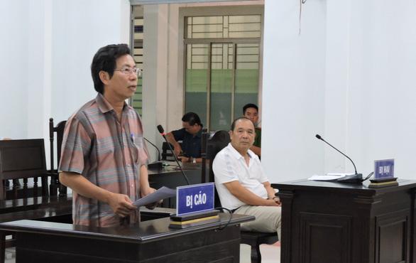 Phó chủ tịch thành phố Nha Trang Lê Huy Toàn và các bị cáo được hưởng án treo - Ảnh 2.