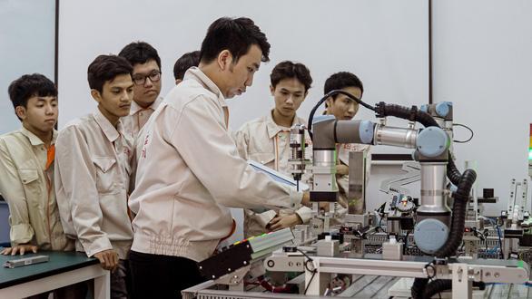 Công nghệ thông tin và điện - điện tử: ngành hot cho tương lai - Ảnh 4.