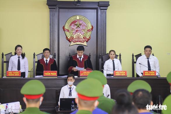 Gian lận điểm thi ở Sơn La: cựu phó giám đốc Sở GD-ĐT Sơn La lãnh 9 năm tù - Ảnh 1.