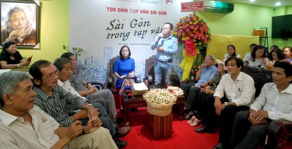 Dường như ai đến với Sài Gòn cũng đều muốn viết một cái gì đó - Ảnh 1.