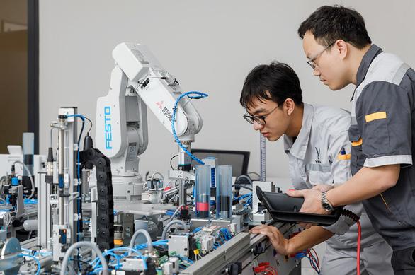 VinFast hợp tác đào tạo về cơ điện tử và kỹ thuật ôtô - Ảnh 1.