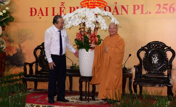 Phó thủ tướng Trương Hòa Bình chúc mừng đại lễ Phật đản tại TP.HCM - Ảnh 1.