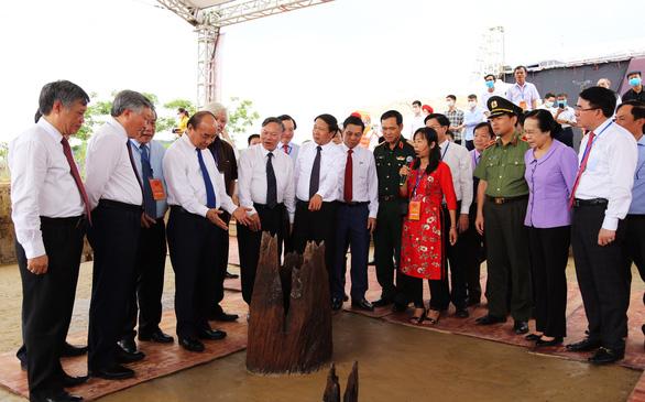 Thủ tướng dự lễ thông xe, khởi công loạt dự án trọng điểm tại Hải Phòng - Ảnh 2.
