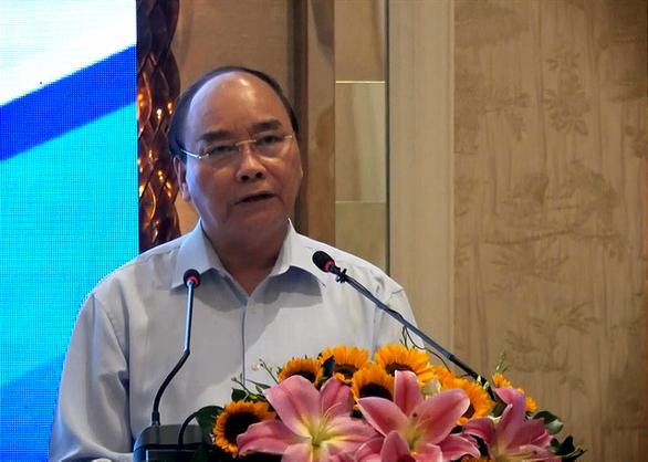 Thủ tướng Nguyễn Xuân Phúc: Kết nối hạ tầng giao thông để đón cơ hội đầu tư hậu COVID-19 - Ảnh 3.