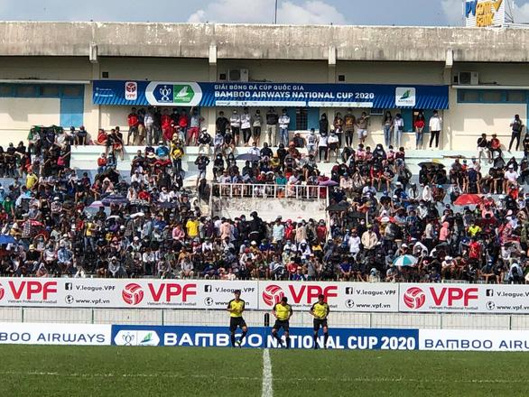 Quế Ngọc Hải tỏa sáng trên sân khách 10.000 khán giả, giúp Viettel đi tiếp - Ảnh 1.