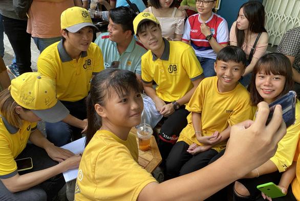Cựu Quả bóng vàng nữ Việt Nam Kiều Trinh mở quán cà phê - Ảnh 3.