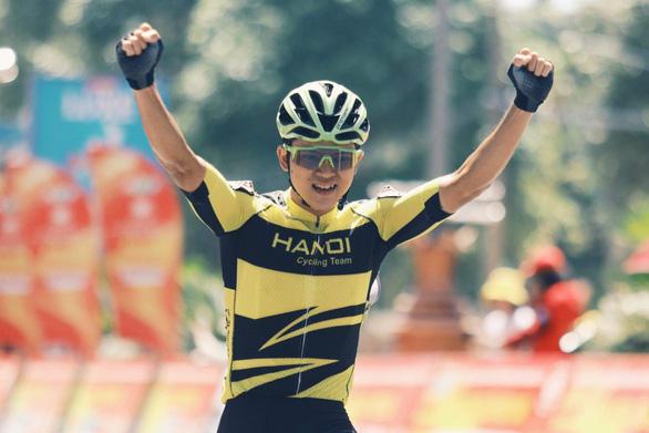 Cuộc đua xe đạp Cúp Truyền hình TP.HCM 2020: Ấn tượng Ngô Văn Phương - Ảnh 1.