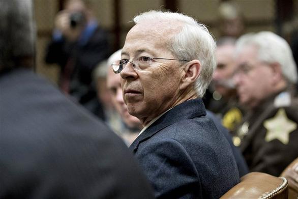 Luật sư trưởng của FBI Dana Boente từ chức - Ảnh 1.