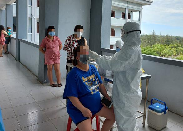 243 bà bầu về từ Đài Loan đa số là lao động phổ thông, muốn về nước sinh con - Ảnh 2.