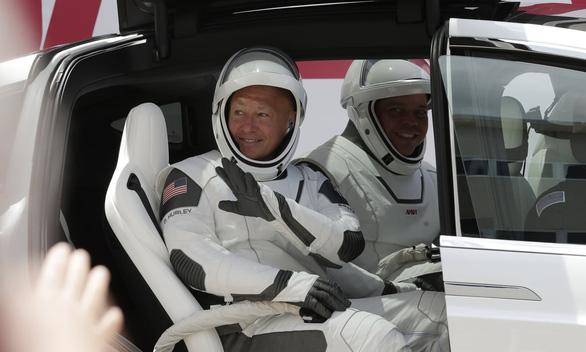 SpaceX mở ra kỷ nguyên du hành không gian thương mại - Ảnh 3.