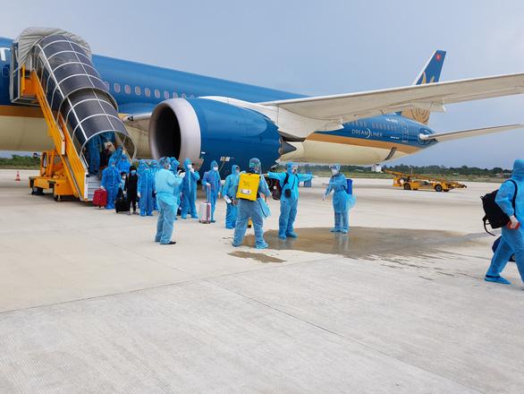 Một chuyến bay giải cứu người Việt về nước có thể lên đến 10 tỉ - Ảnh 1.