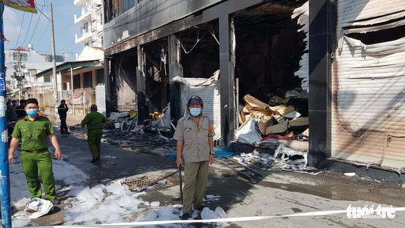 Cháy nhà trên đường Lê Trọng Tấn: Một người đã thiệt mạng - Ảnh 2.