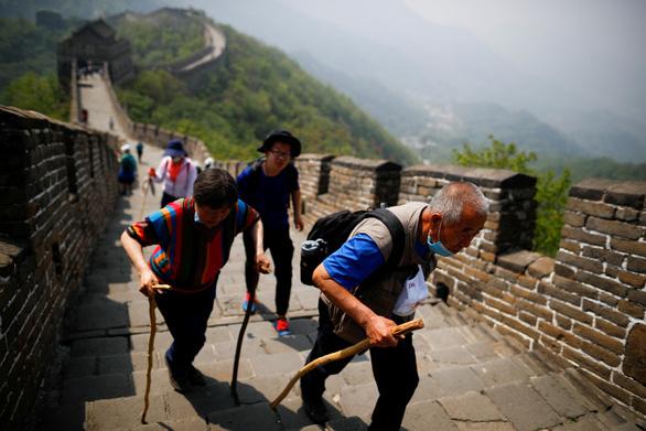 Hơn 23 triệu người Trung Quốc du lịch mỗi ngày kỳ nghỉ lễ lao động 1-5 - Ảnh 1.