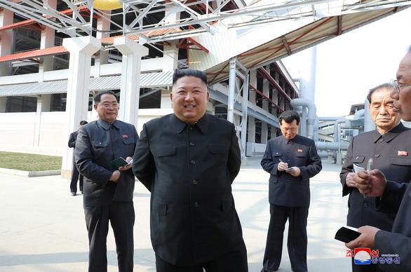 Cựu quan chức Triều Tiên đào tẩu xin lỗi vì nói ông Kim bệnh nặng - Ảnh 2.