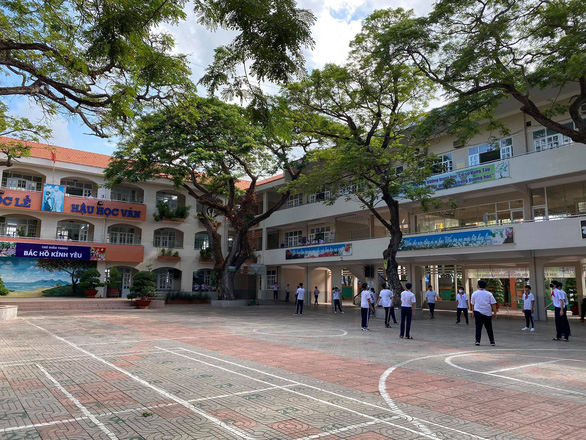Sáng nay 4-5, học sinh 63 tỉnh thành trở lại trường - Ảnh 15.