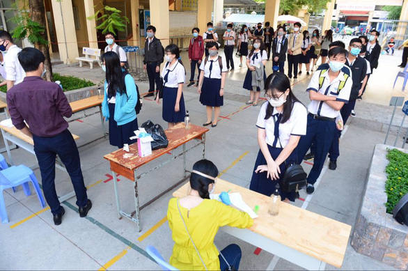 Sáng nay 4-5, học sinh 63 tỉnh thành trở lại trường - Ảnh 5.