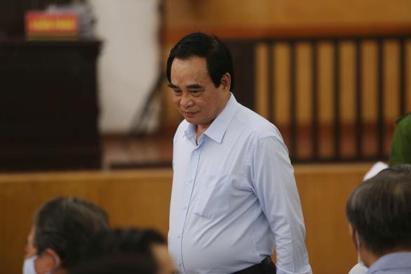 Hai cựu chủ tịch Đà Nẵng và Phan Văn Anh Vũ tiếp tục hầu tòa - Ảnh 2.