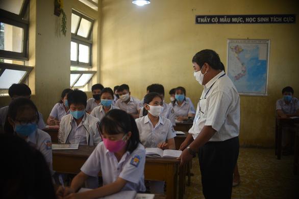 Sáng nay 4-5, học sinh 63 tỉnh thành trở lại trường - Ảnh 23.