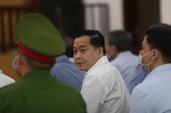 Hai cựu chủ tịch Đà Nẵng và Phan Văn Anh Vũ tiếp tục hầu tòa - Ảnh 3.