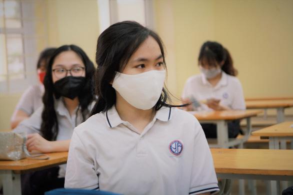 Hà Nội đề nghị không tăng học phí trong năm học mới - Ảnh 1.