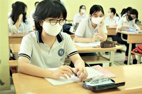 Sáng nay 4-5, học sinh 63 tỉnh thành trở lại trường - Ảnh 12.
