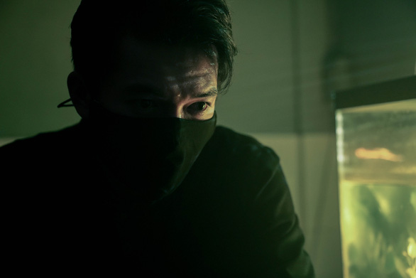 Phim giật gân Bằng chứng vô hình: Phương Anh Đào bị kẻ biến thái truy sát - Ảnh 8.