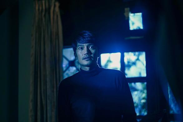 Phim giật gân Bằng chứng vô hình: Phương Anh Đào bị kẻ biến thái truy sát - Ảnh 3.