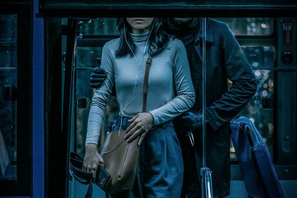 Phim giật gân Bằng chứng vô hình: Phương Anh Đào bị kẻ biến thái truy sát - Ảnh 9.