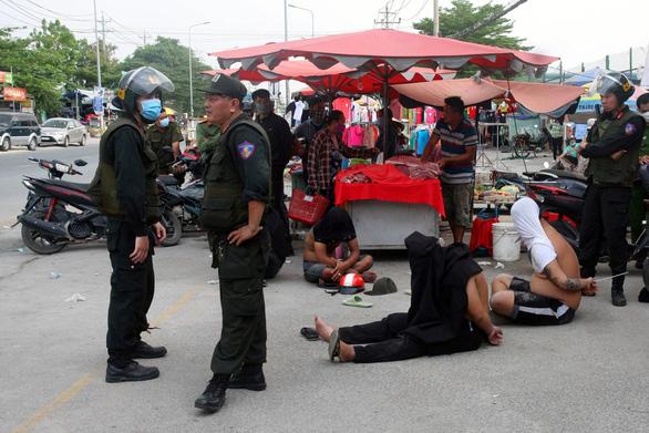 Công an Đồng Nai bắt băng Loan cá chuyên trấn lột, bảo kê tiểu thương - Ảnh 1.