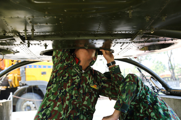 Di dời máy bay, xe tăng ở Bảo tàng lịch sử Huế về nơi mới - Ảnh 3.