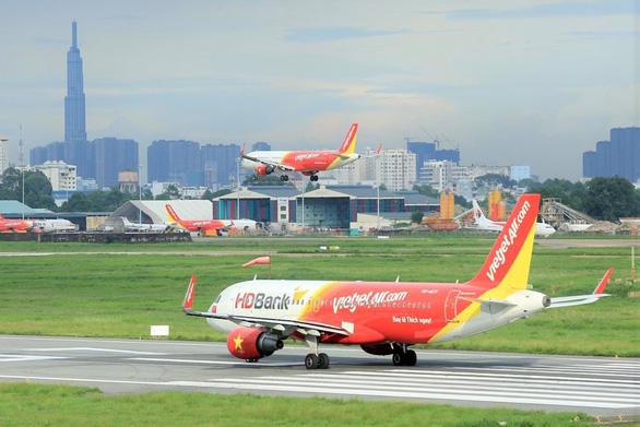 Hàng không bắt đầu nhộn nhịp trở lại, đề nghị bay quốc tế từ 1-6 - Ảnh 2.