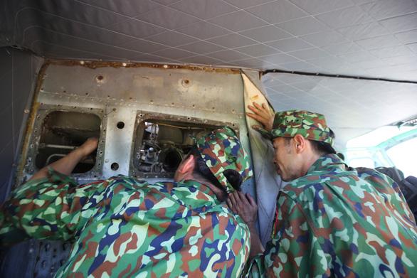 Di dời máy bay, xe tăng ở Bảo tàng lịch sử Huế về nơi mới - Ảnh 6.