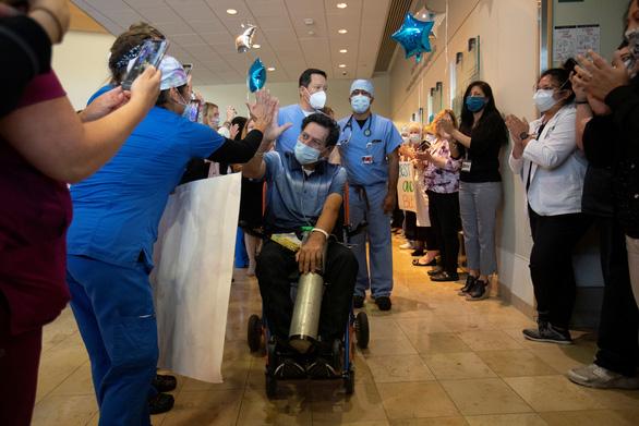 Ít nhất 90.000 nhân viên y tế trên toàn cầu bị nhiễm COVID-19 - Ảnh 3.