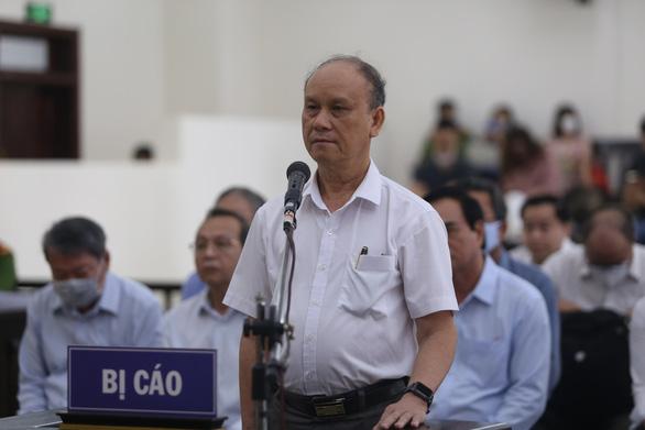 Hai cựu chủ tịch Đà Nẵng bị bắt tạm giam tại phiên tòa - Ảnh 1.