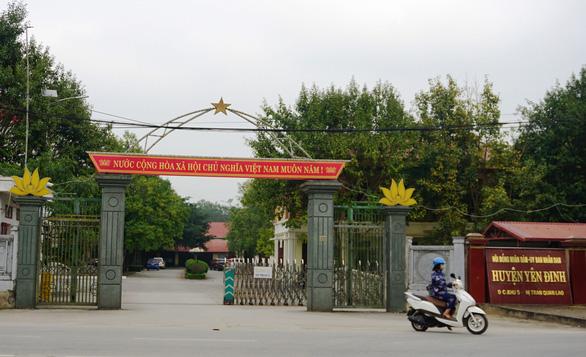 Huyện bị nói nợ hơn 50 tỉ, lại xin xây tượng đài 20 tỉ đồng - Ảnh 1.