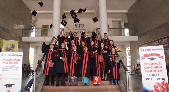Mỗi năm có hơn 1.500 tiến sĩ, hơn 36.000 thạc sĩ tốt nghiệp - Ảnh 1.