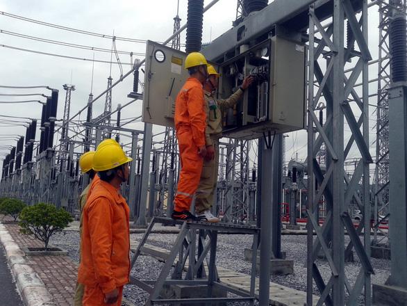 Thủ tướng: Cán bộ không tiết kiệm điện, không hoàn thành nhiệm vụ - Ảnh 1.