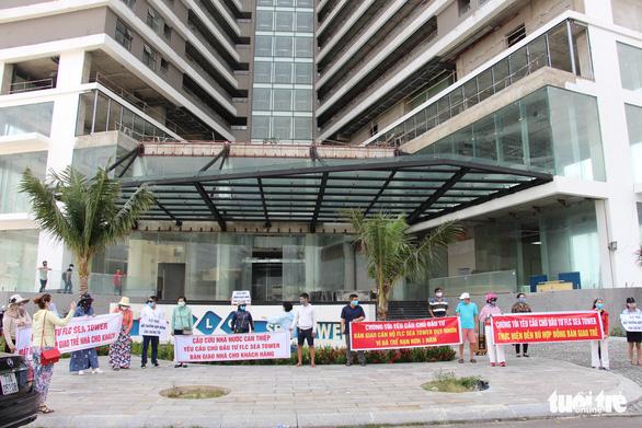 Yêu cầu đối thoại xử lý dứt điểm vụ khách hàng vây FLC Faros đòi căn hộ - Ảnh 1.