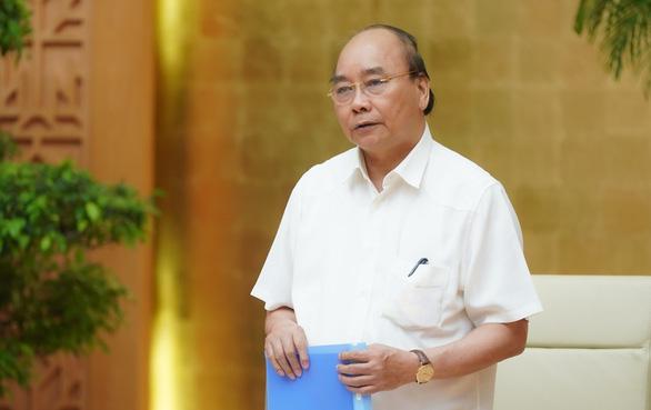 Thủ tướng: Chính quyền không được ép dân ký đơn từ chối nhận hỗ trợ - Ảnh 1.