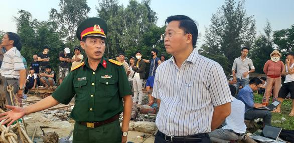 Xác định danh tính 5 người mất tích trong vụ lật ghe trên sông Thu Bồn - Ảnh 4.