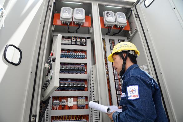 TP.HCM kiến nghị dừng áp dụng cách tính giá điện bậc thang đến khi công bố hết dịch COVID-19 - Ảnh 2.