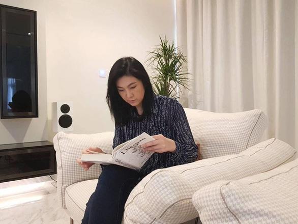 Cựu thủ tướng Thái Lan Yingluck bất ngờ lên Facebook chia sẻ cách vượt qua cách ly - Ảnh 5.