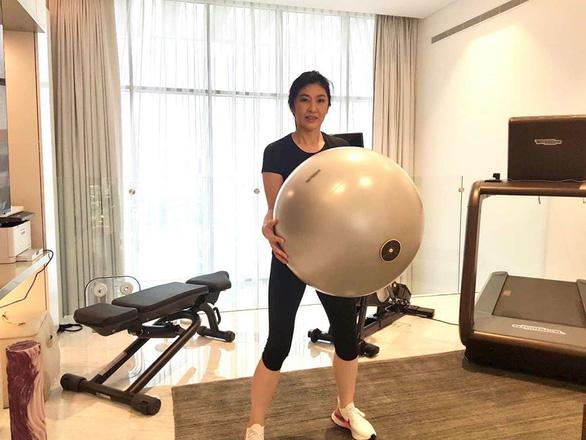 Cựu thủ tướng Thái Lan Yingluck bất ngờ lên Facebook chia sẻ cách vượt qua cách ly - Ảnh 6.