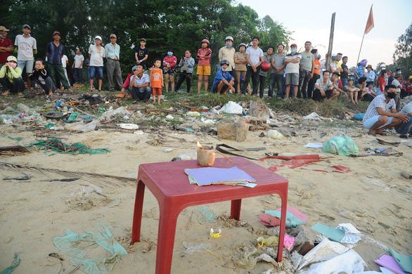 Xác định danh tính 5 người mất tích trong vụ lật ghe trên sông Thu Bồn - Ảnh 3.