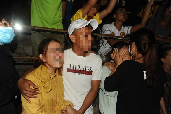 Tang thương bên sông Thu Bồn: Mới chỉ tìm được 2 thi thể, 3 người còn mất tích - Ảnh 4.