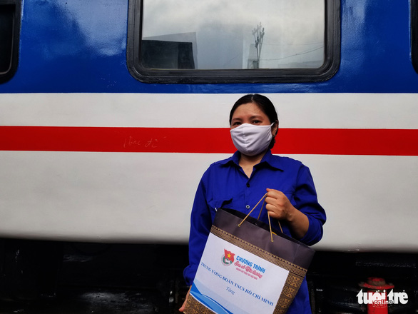 Sẻ chia với thanh niên công nhân đường sắt khó khăn vì dịch COVID-19 - Ảnh 2.