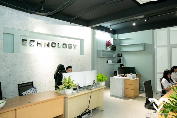 Việt Mỹ Cosmetics - Lợi thế từ việc phát triển đa dịch vụ - Ảnh 2.