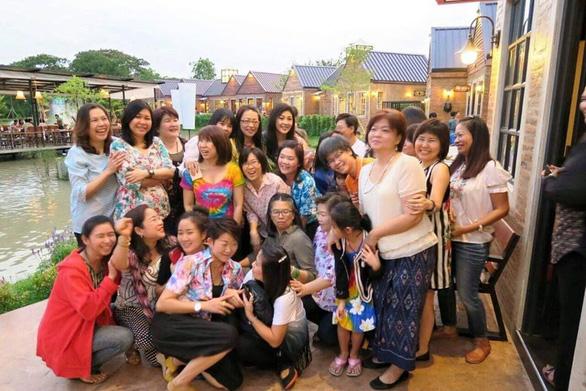 Cựu thủ tướng Thái Lan Yingluck bất ngờ lên Facebook chia sẻ cách vượt qua cách ly - Ảnh 9.